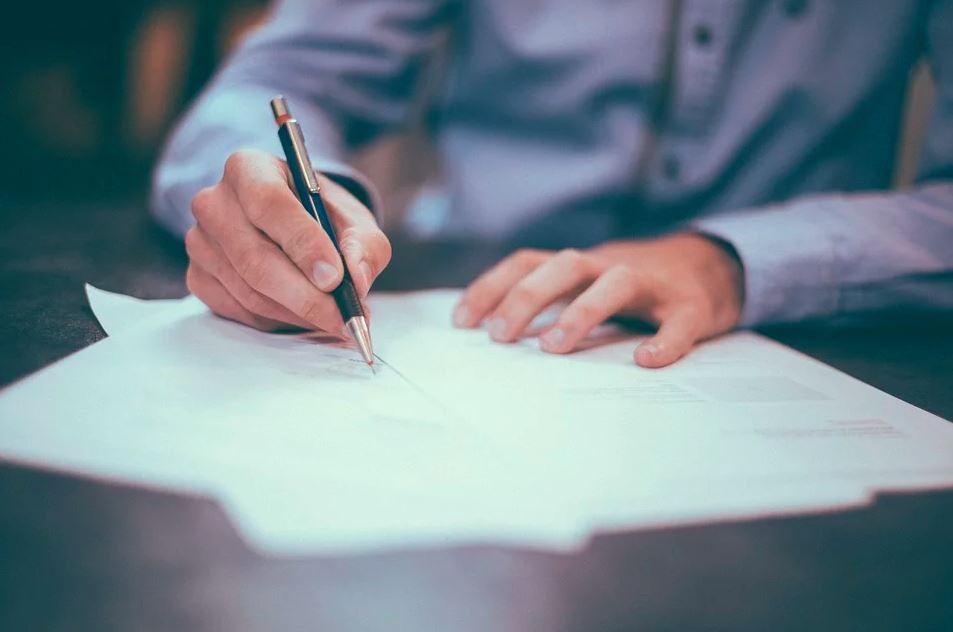 Escribiendo una carta de renuncia voluntaria