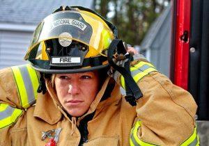 Chica del cuerpo de bomberos